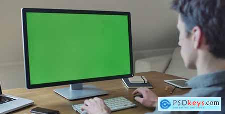 Videohive Designer Computer Green Screen For Mock Up