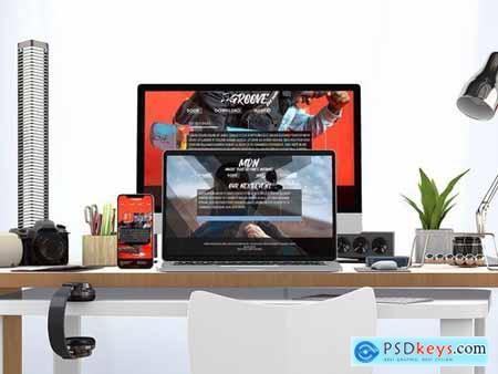 Responsive Website PSD Mock-up Desk