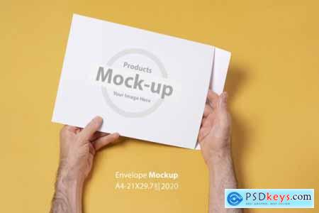 Hand holding blank, box notes mockup vol2