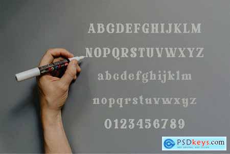 Glaster - Elegant Serif Font